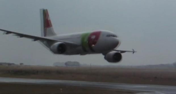 Pasada baja del A310 de TAP en 2007: Edición extendida 9